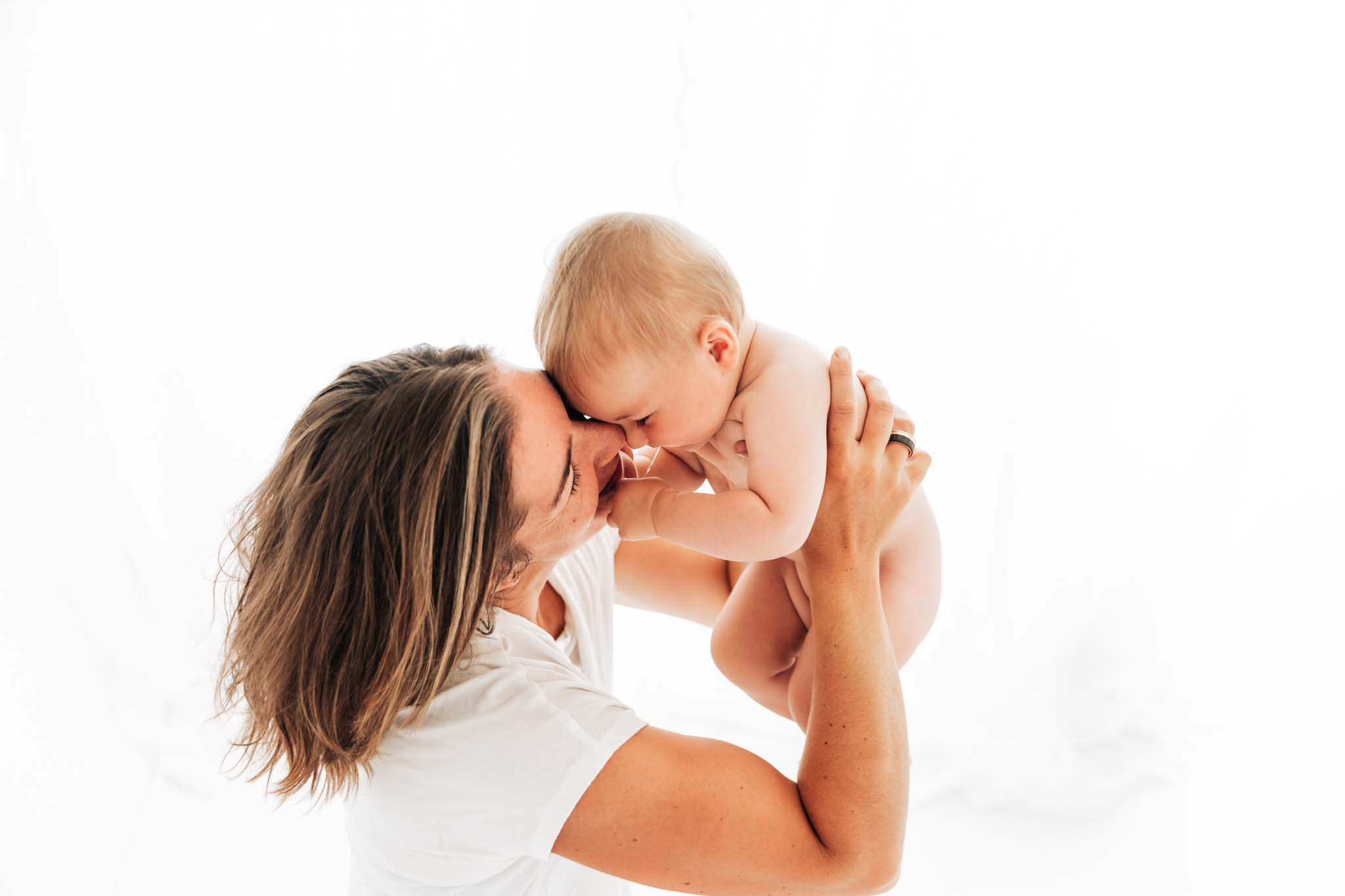 Babyfotograf München: Babyfoto Mama mit Kind