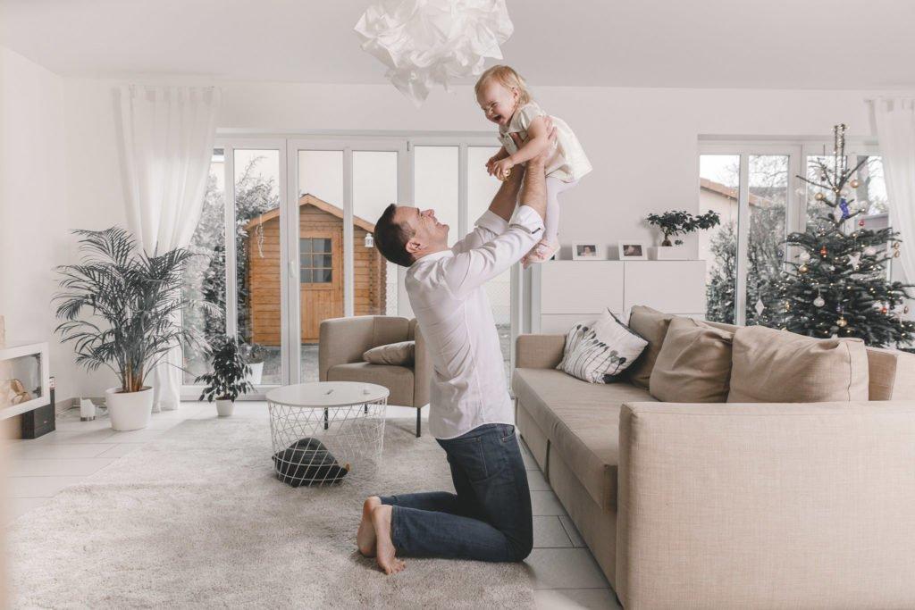 Familienshooting München: Familienfotos zu Weihnachten zuhause