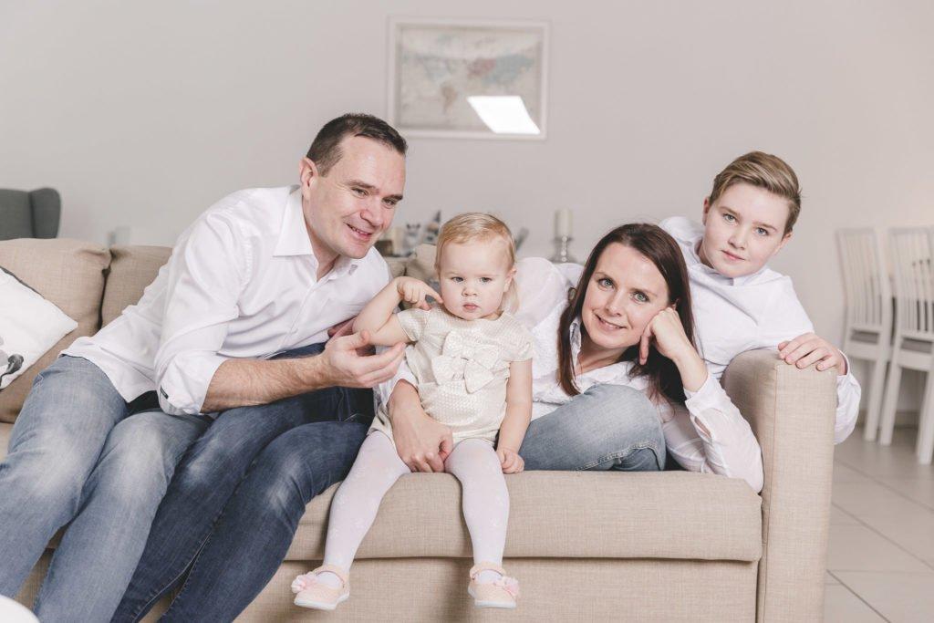 Familienfotos München: Shooting zu Weihnachten zuhause